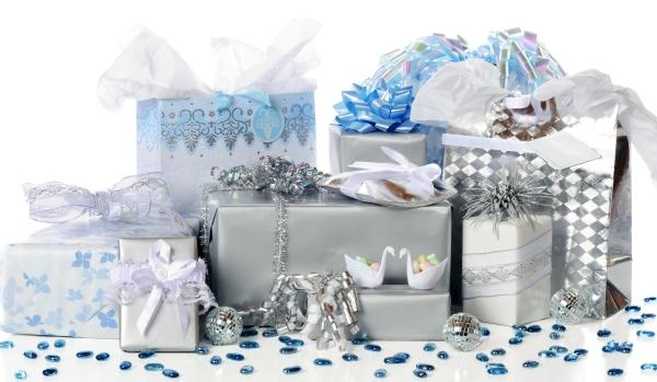 Web-Based Gift Registries Level the Retail Playing Field