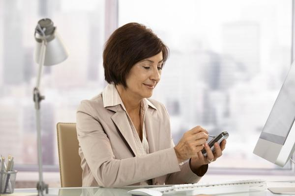 Smartphones Boost Employee Productivity Despite Security Concerns