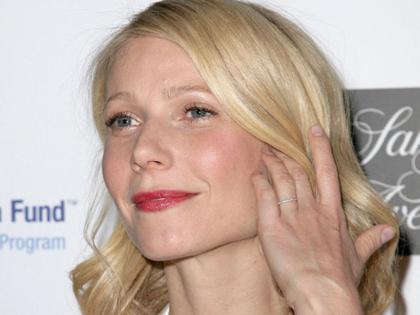 Gwyneth Paltrow Site Now Dispensing Business Advice