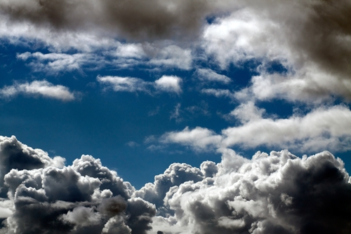 Right Vendor Helps Cloud-Bound SMBs Skirt Stormy Weather