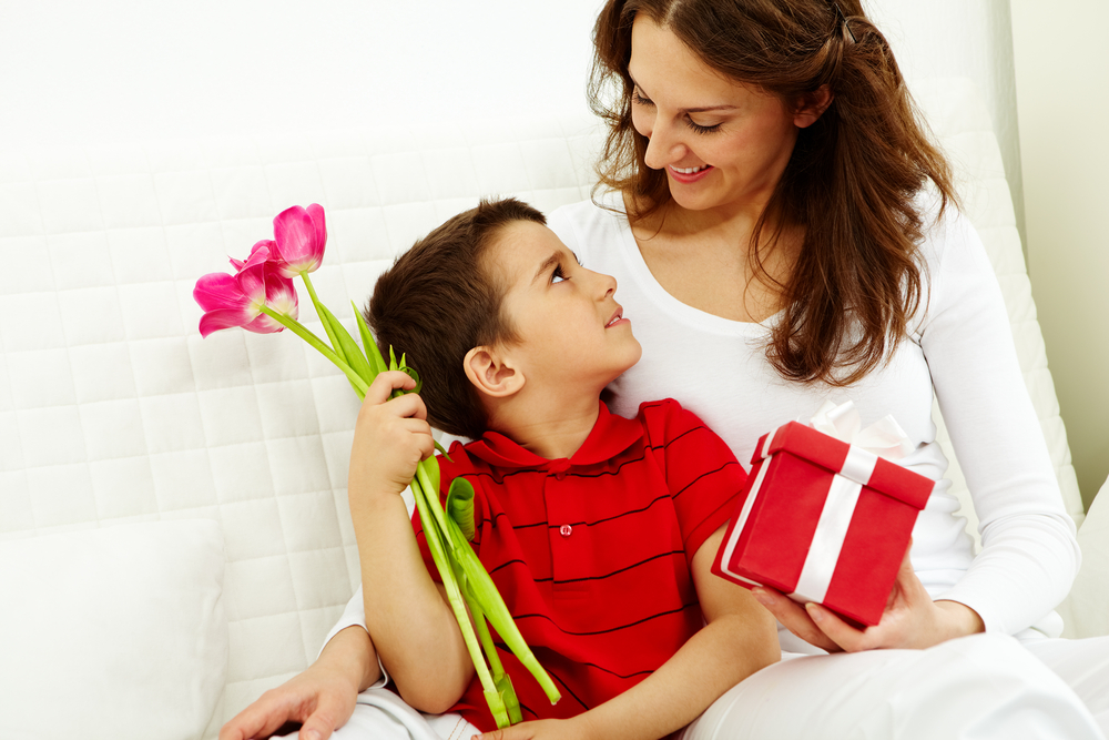 Tech Gadgets Gain Favor as Mother's Day Gifts