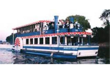 Charter party boat on Sacramento River – Sacramento, Calif.