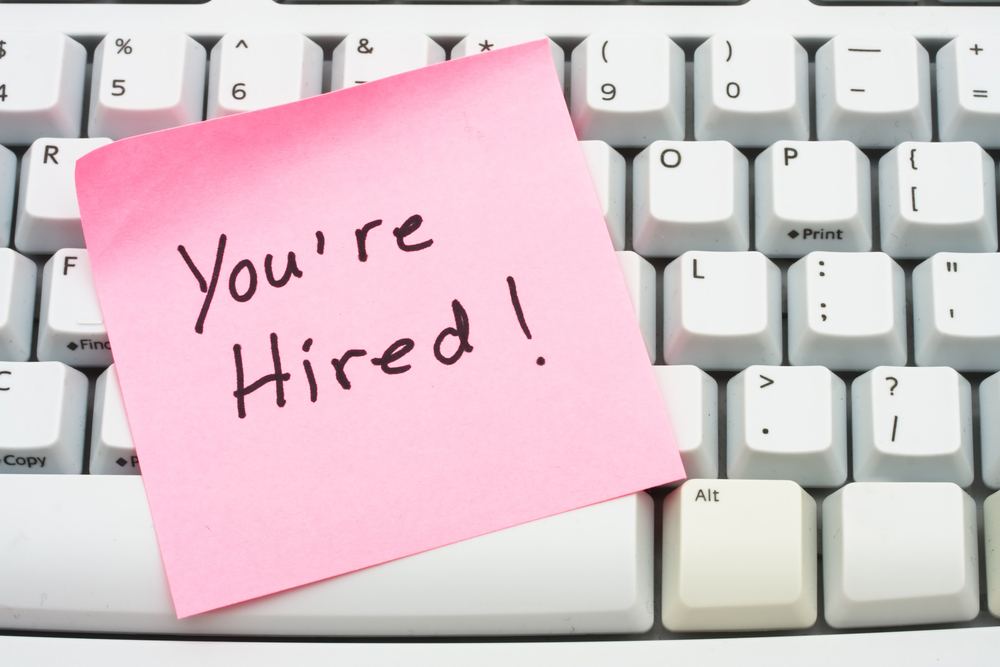 6 Do's and Don'ts of Hiring Your First Employee