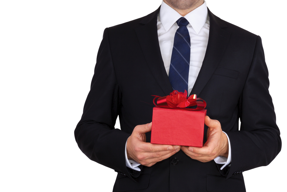 30 Fun (and Cheap!) Gifts for Your Boss