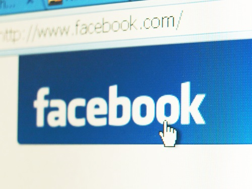 Workers Say Bosses Cause Them to Quit Facebook