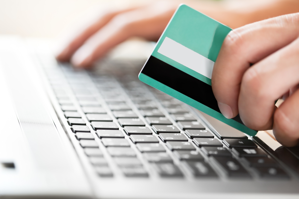 When Online Shoppers Are Likely to Overspend