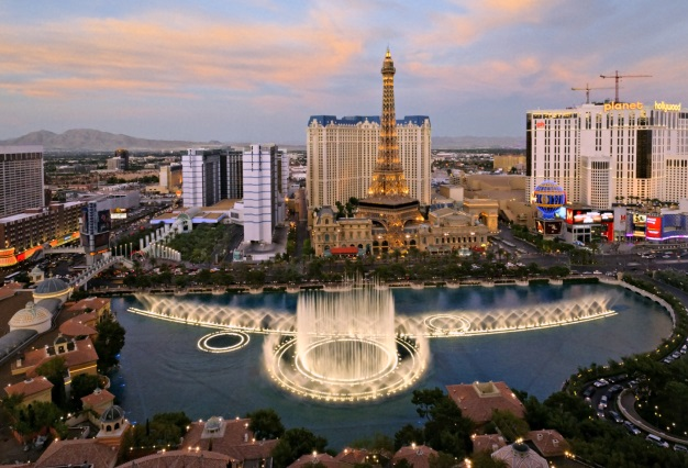 Designer of Bellagio Fountains Gets the Water (and Cash) Flowing