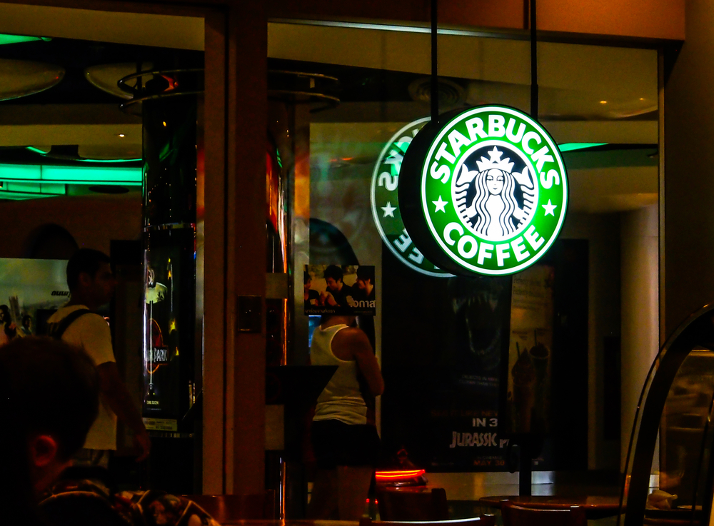 Leading the Starbucks Way: 5 Principles for Connecting with Your Customers