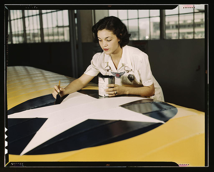 10 Amazing Vintage Images of Wartime Women at Work