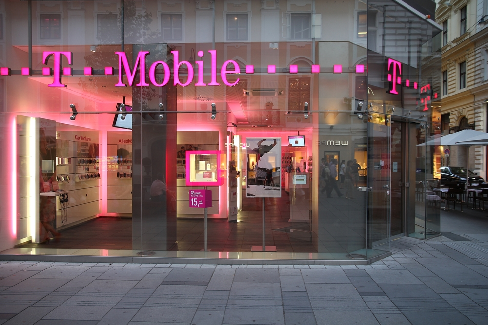T-Mobile Cuts Prices for Small Business