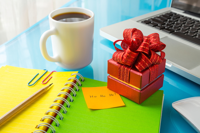 25 Inexpensive Gifts Your Employees Will Love