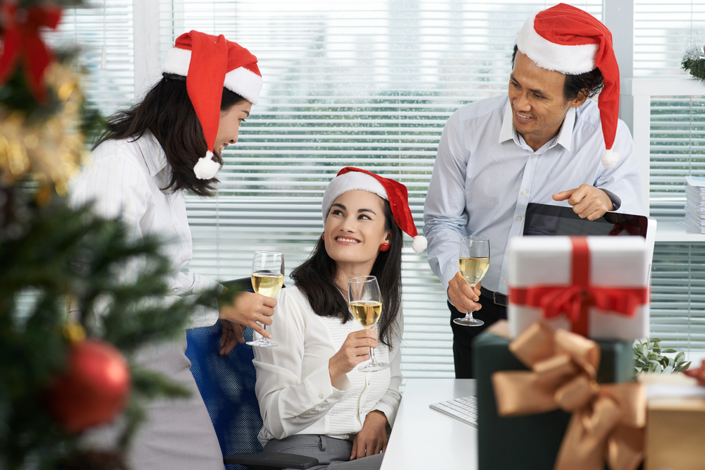 5 Ways to Keep Employees Engaged During the Holidays