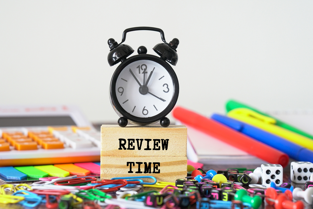 6 Tips for Writing an Effective Performance Review