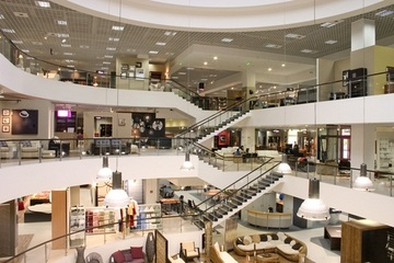 Consumers are still brick-and-mortar loyalists