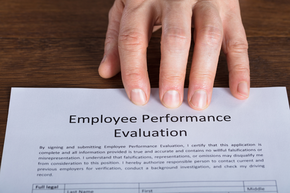 How to Write Effective Employee Performance Reviews